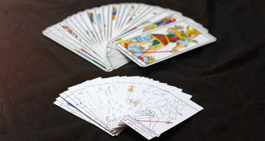 tarots hand made business cards: let's pick up the perfect card for the person you meet