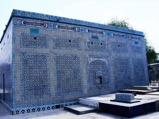 Multan is famous for its large number of Sufi shrines, including the unique rectangular tomb of Shah Gardez that dates from the 1150s and is covered in blue enameled tiles typical of Multan.