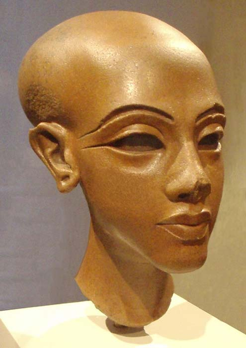 Statue of an unknown Amarna-era princess. New Kingdom, Amarna period, 18th dynasty, circa 1345 BC