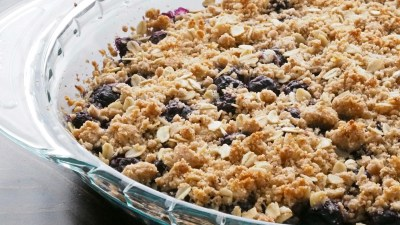 """""""Best Mistake Ever"""" Blueberry Crumble"""