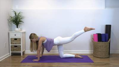 10 Minute Leg and Hip Workout – all on the mat!