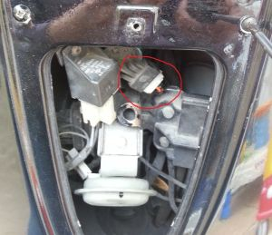 Modern Vespa : Damaged ET4 wiring after theft  please help!