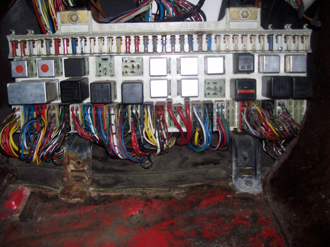 Fuse Layoutcar Wiring Diagram Page 78