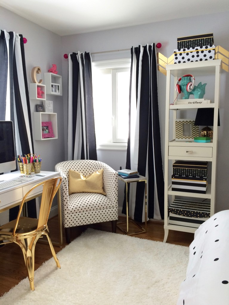Black White and Chic all over Teen Bedroom Makeover