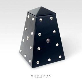 rock-urn-obelisk-leather-black-side3q