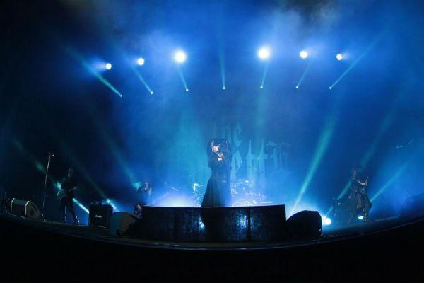 the GazettE首次台灣演唱會,攜闇域異端教條登台,左起為吉他手Aoi,貝斯手Reita,主唱Ruki,吉他手Uruha,後方則為鼓手Kai