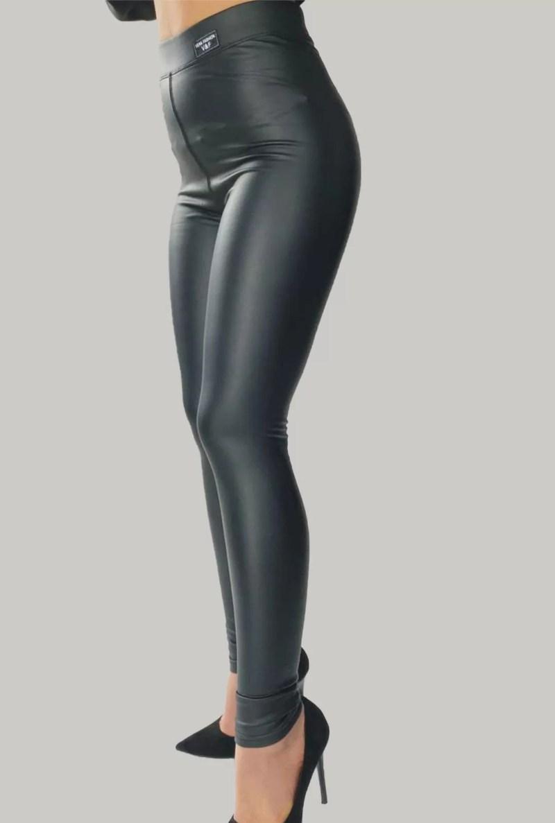 Zwart-leren-legging-matte