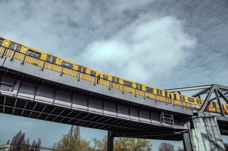 métro jaune aérien de Berlin
