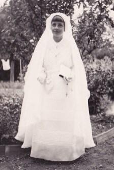 Monique 26 juin 1938