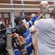 FRANCE – Pour la première fois, une municipalité déboulonne un vestige de  l'esclavage ce 29 mai (vidéo et photos)