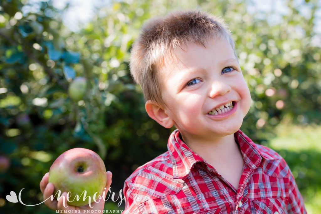 Michigan Apple Orchard Photo Session