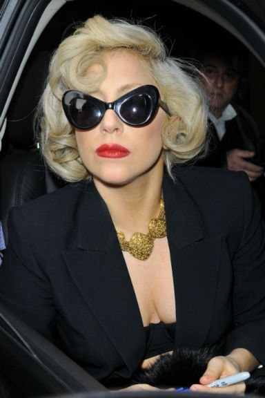 lady-gaga-marilyn-resize-1323780343