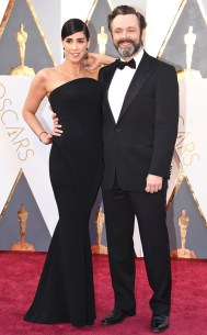 rs_634x1024-160228170554-634.Sarah-Silverman-Michael-Sheen-Academy-Awards-Arrivals-ms.022816