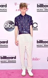 rs_634x1024-160522145817-634-troye-sivan-2016-billboard-music-awards