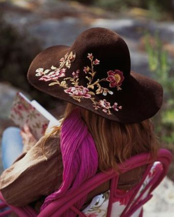 embroidered-floral-hat