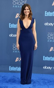rs_634x1024-161211152009-634-mandy-moore-22nd-critics-choice-awards-arrivals-santa-monica-kg-121116