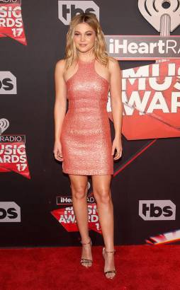 rs_634x1024-170305153034-634-olivia-holt-iheartradio-music-awards-los-angeles-kg-030517