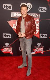 rs_634x1024-170305171017-634-jeremy-renner-iheartradio-los-angeles-kg-030517