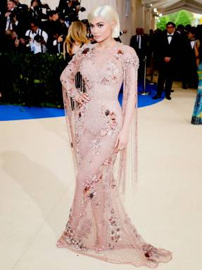 rs_765x1024-170501162543-765.Kylie-Jenner-Met-Gala-Versace