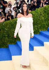 rs_765x1100-170501174910-765.Kim-Kardashian-2017-Met-Gala