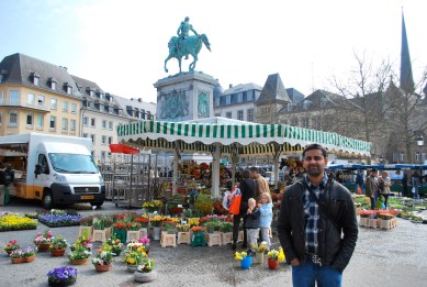 at Place Guillaume II