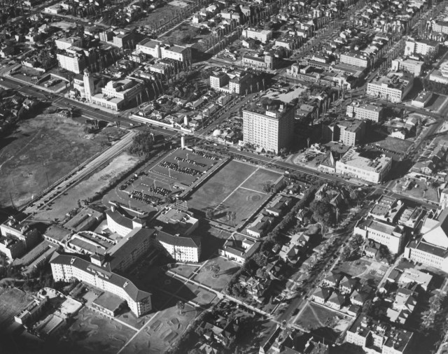 Aerial view of the Ambassador Hotel in 1940, courtesy of the Dick Whittington Photography Collection, USC Libraries