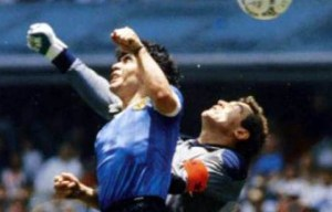 The hand of God – Diego Maradona scores with the hand in Mexico City