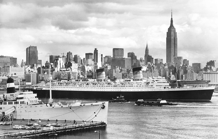 RMS Queen Elizabeth – The ocean liner rests peacefully in Hong Kong