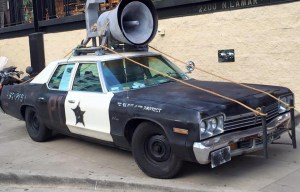 The Bluesmobile – The former patrol car falls apart in Chicago