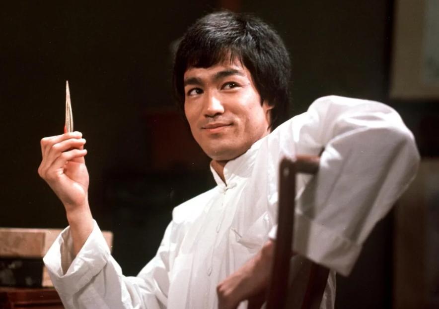 Bruce Lee – The Dragon dies in Hong Kong