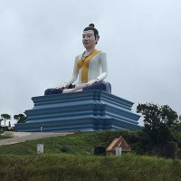 Lok Yeay Mao monument - The statue of the ancient mythical heroine in Kampot
