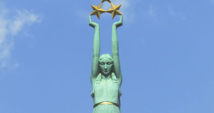 Brīvības piemineklis – The Freedom Monument in Riga