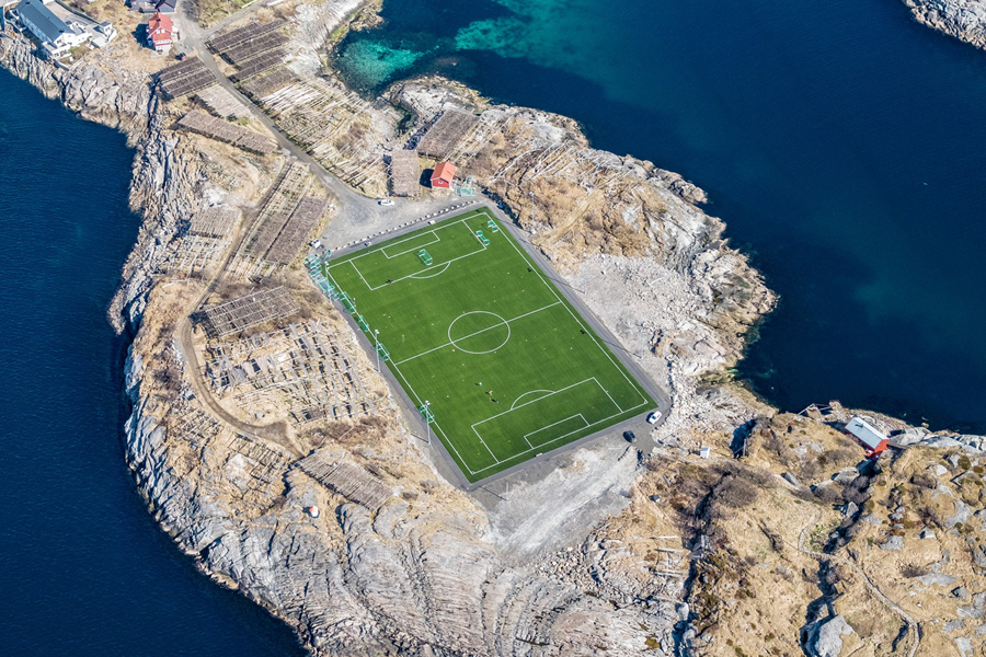 Henningsvær Stadium – The majestic Football Ground in Henningsvær