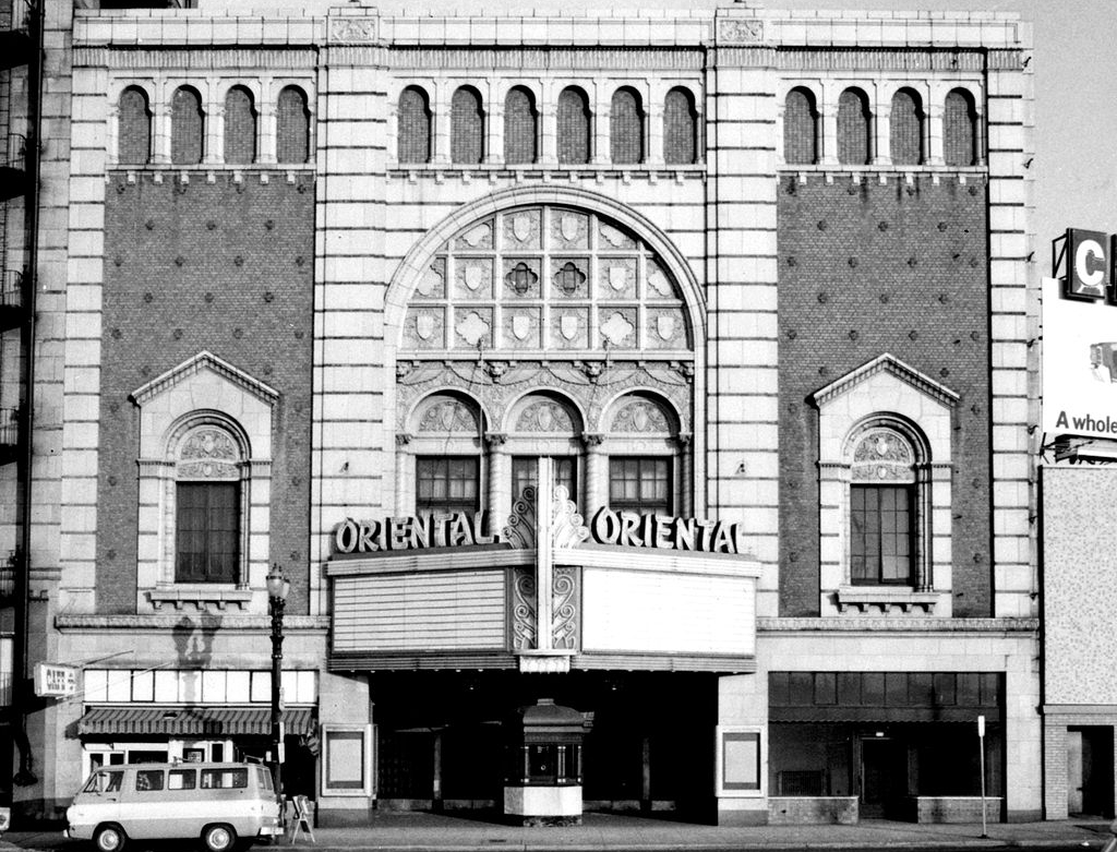 Oriental Theatre – The amazing and tragically old theater in Portland