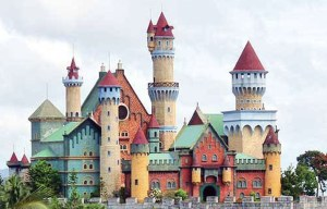 "Fantasy World – The ""abandoned"" theme park in Lemery"