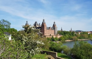 Schloss Johannisburg – The square palace by the river in Aschaffenburg