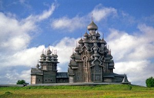 Kizhi Pogost – The large wooden churches in Kizhi island