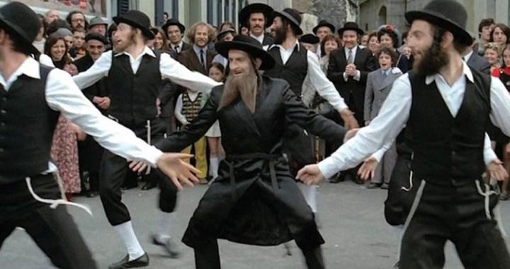 Louis de Funès – Rabbi Jacob dances in Saint-Denis
