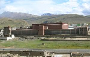 Sakya Monastery – The Great Tibetan Buddhist monastery and library in Sa'gya County