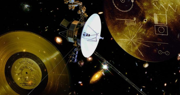 "Voyager 2 – The ""tireless"" space probe travels in Outer space"