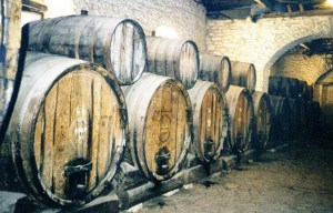 Mavrodaphne – The birthplace of the famous sweet dessert wine in Petroto