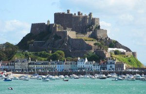 Mont Orgueil – The huge medieval guard in Jersey