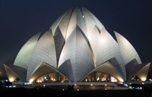 Lotus Temple – The magnificent Bahá'í House of Worship in Delhi