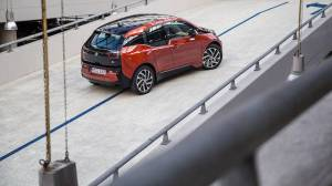 2014-bmw-i3-review-by-road-track-photo-gallery_11