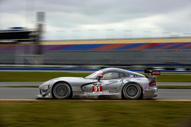 El equipo SRT Motorsports gana la pole de la categoría GTLM