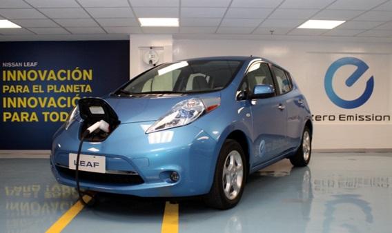 Nissan asegura que centros de recarga en oficinas son la clave de popularidad de los vehículos eléctricos