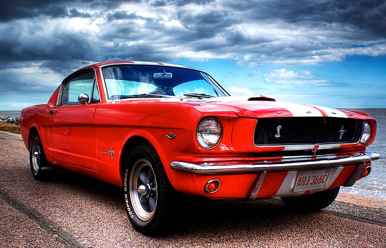 #ViernesDeVelocidad – Ford Mustang
