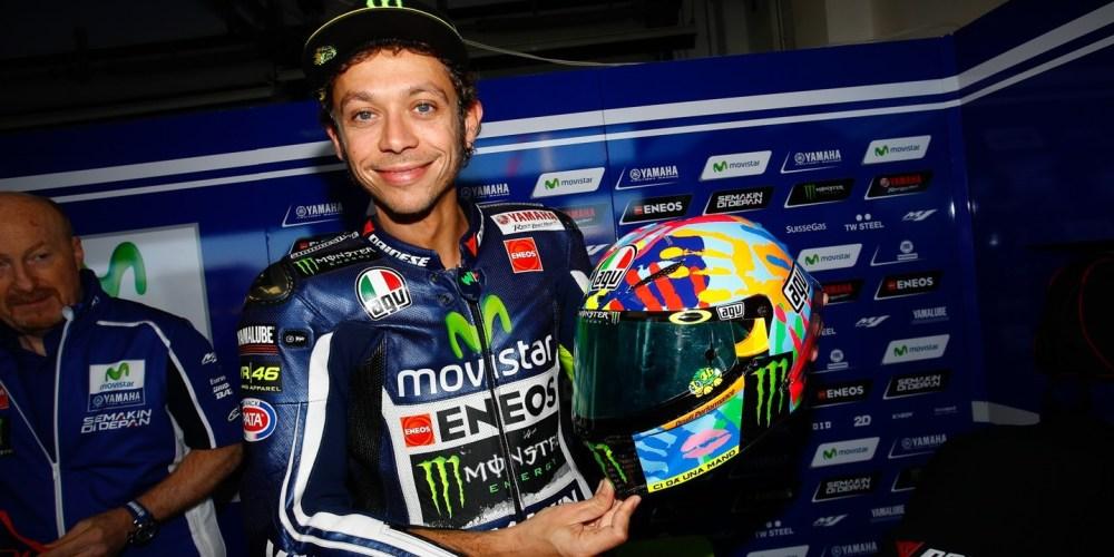 Rossi invoca la ayuda de Misano con un casco especial