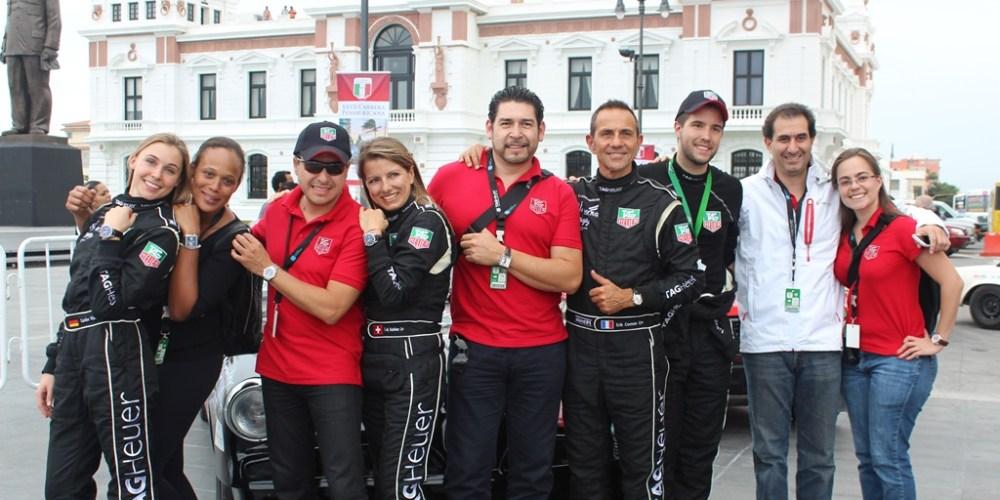 Bandera verde para el inicio de La Carrera Panamericana