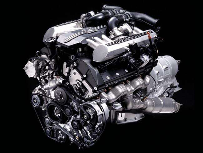 Rolls-Royce-Phantom-V12-1024x768